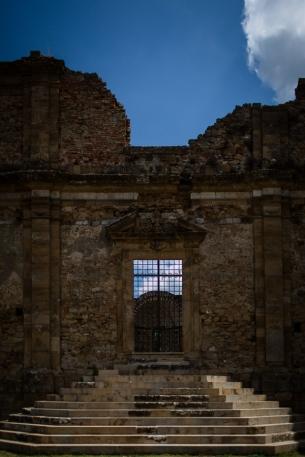 La facciata della chiesa
